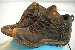 Chaussures de rando : les Merrell Continuum Waterproof (Steph Blin) Tags: boue mud chaussures shoes merrell continuum rando walking trekking hiking marche randonnée marcher montagne sport mountain cuir leather waterproof crampons
