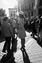 The smile (Julin del Nogal) Tags: streetphoto streetphotography people urban character smile girl