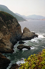 (Steve only) Tags: nikon 35ti nikkor 35mm 128 f28 3528 rf rangefinder fujifilm 100 100 film epson gtx970 v750 landscape sea cliff shore capedaguilar