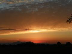 sunriseset (ThrghMyEyes) Tags: red arizona orange beautiful set sunrise bright sunny sunrises mesa earlymorningsun azskies