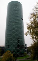 Frankfurt, Westhafen-Tower (HEN-Magonza) Tags: frankfurt hessen hesse germany deutschland gutleutviertel westhafentower geripptes hochhaus highrisebuilding