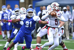 CCSUfootball-br-101214_1415 (newspaper_guy Mike Orazzi) Tags: sports football nikon action 5 91 bluedevils ccsu collegefootball newbritain 300mmf28dii collegeathletics centralconnecticutstateuniversity d7100 arutefield