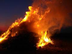 Bonfire / Osterfeuer, Rosendahl-Darfeld, Germany, Eastern / Ostern 2007 (betadecay2000) Tags: bonfire ostern feuer 2007 osterfeuer ostersonntag