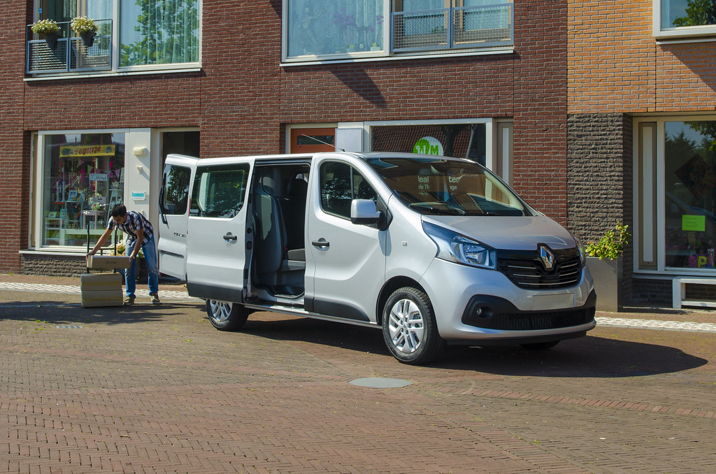 2f4aed7d62 Renault Trafic 2014 - Double Cab Luxury (Van Line NI) Tags  cab double