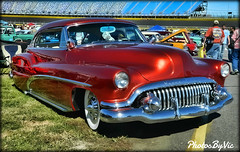 '52 Buick (Photos By Vic) Tags: old classic car vintage buick automobile antique chrome vehicle luxury carshow 52 1952 generalmotors
