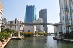 miami_river_looking_east_w__metrorail