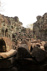Mit dem Rad von Tempel zum Palast, weiter zu Tempeln. (kiraton) Tags: essen asien kambodscha rad angkorwat siemreap angkor tempel weltkulturerbe 2014 radfahren besichtigung