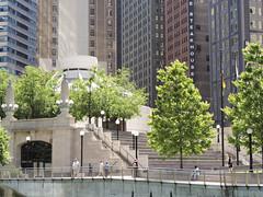 Architecture River Tours (Vi) Tags: usa chicago building arquitetura architecture illinois il eua prdio chicagoriver cookcounty windycity architekur chicagoline condadodecook chicagolinecruises architecturerivertours 14062014 junho2014
