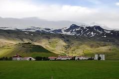 Islandia. Granja Thorvaldseyri y volcn Eyjafjallajkull (santi abella) Tags: islandia eyjafjallajkull thorvaldseyri