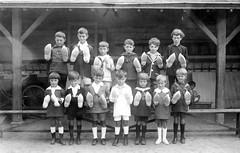 1925 (vers) Fte des Ecoles 01 (HCLM) Tags: ecole elves enfants garons filles possonnire educationnationnale