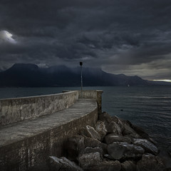 Dock (Julio Lpez Saguar) Tags: juliolpezsaguar vevey suiza switzerland muelle dock lago lake leman alpes alps nubes clouds paisaje landscape espacios spaces