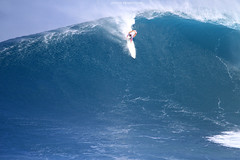 IMG_2623 copy (Aaron Lynton) Tags: surfing lyntonproductions canon 7d maui hawaii surf peahi jaws wsl big wave xxl