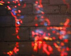 5 - Bayeux, Cathdrale Notre-Dame, Couleurs et lumire (melina1965) Tags: normandie calvados bayeux octobre october 2016 nikon d80 macro macros glise glises church churches vitrail vitraux stainedglasswindow stainedglasswindows lumire light multicolore colorful multicoloured