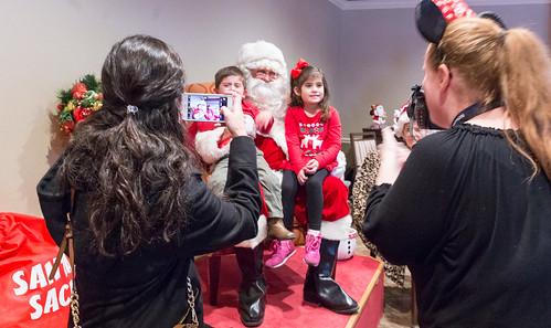 Epworth_Villa_Christmas_Party_2016-8