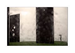 transparencias (3) (Ramn Medina) Tags: gijn asturias mar marina sea seascape escultura sculpture art arte blur desdeelcoche alotrolado traselcristal gotas drops parabrisas window windscreen windshield painterly