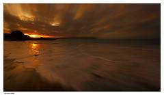 Lumière Dorée.... (crozgat29) Tags: jmfaure crozgat29 canon ciel sigma sky seascape sea sunset nature nuages paysage plage beach