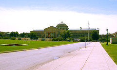 """Front of Museum of Science & Industry building • <a style=""""font-size:0.8em;"""" href=""""http://www.flickr.com/photos/34843984@N07/14926051964/"""" target=""""_blank"""">View on Flickr</a>"""