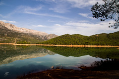 Cazorla (Paco Lavela) Tags: naturaleza lago agua bosque reflejo cazorla paiseje