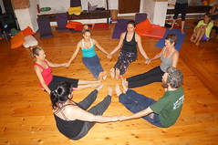 DSC02798 (Rainbow Yoga) Tags: family italy senior yoga natal youth training children post classroom teacher tuscany therapy fertility partner tantra yoa prenatal postnatal ebbio kidsyoga rainbowkidsyoga 200hryogateachertraining 500hryogateachertraining 320hryogateachertraining