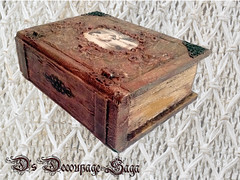 Memory Treasure by Decoupage Saga (DecoupageSaga) Tags: vintage box handmade boxes homedecor artcrafts decoupage vintageboxes vintagebox decoupagebox decoupageboxes decoupagesaga