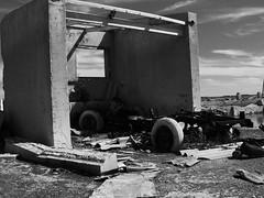 11102014-DSC00110 (sbstnhl - Siti) Tags: bw blanco lago sony inundacion negro bn ruinas sal automovil dsch2 epecuen