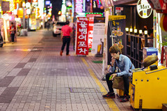 A last one (mic00l) Tags: street night canon eos spring shot candid south korea 100mm pusan 6d f20 seomyeon coréedusud