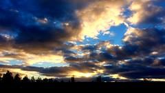 Morning stars - #cloudporn in #hoofddorp #thenetherlands #holland #nederland #skyporn #beauty #nature #colors (Michel Swart Fotografie) Tags: holland nature colors beauty nederland thenetherlands cloudporn hoofddorp skyporn