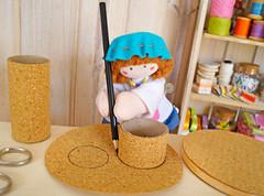 Coloque os dois rolos sobre o outro círculo (Ateliê Bonifrati) Tags: cute diy artesanato craft escolar pap portatreco diadascrianças bastidor bonifrati façavocêmesmo superziper portacoisas