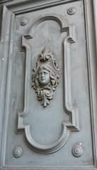 Rome, Italie: dtail de porte (Marie-Hlne Cingal) Tags: door italy rome roma puerta italia porta porte tr italie