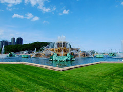 "Buckingham Fountain from afar • <a style=""font-size:0.8em;"" href=""http://www.flickr.com/photos/34843984@N07/15539991635/"" target=""_blank"">View on Flickr</a>"