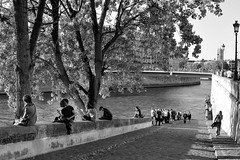 Autumn sun in Paris (jmvnoos in Paris) Tags: autumn blackandwhite bw sun paris france seine automne river soleil blackwhite nikon noiretblanc rivière nb explore 1000views noirblanc ilesaintlouis îlesaintlouis 2000views 30faves 5000views 3000views 100faves 50faves 4000views 6000views 10faves 20faves explored 40faves 7000views 8000views 60faves 70faves 9000views 80faves 90faves seeninexplore d700 jmvnoos