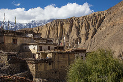 Lupra, a traditional Bn village in Mustang (jmhullot) Tags: nepal mustang lupra westernregion pandakholagorge