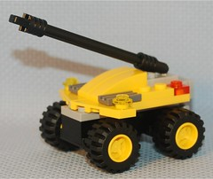 Self-Propelled Gun, Mark I (Mantis.King) Tags: lego scifi vehicle mecha mech moc microscale mechaton mfz mf0 mobileframezero singlesetchallenge