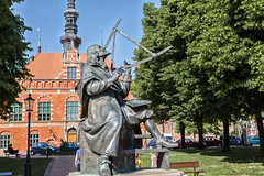 Monument to Johannes Hevelius_6537 (hkoons) Tags: sculpture moon art history monument statue stone bronze image mayor space country nation craft poland polish balticsea replica historical astronomy poles lesson remembrance brass lunar constellations casting gdansk danzig memento easterneurope astrophysics yesteryear likeness astronomer gdask artform johanneshevelius