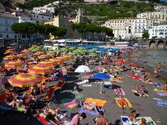 201407182 Amalfi (taigatrommelchen) Tags: 20140731 italy amalfi ocean mediterraneansea beach coast town building