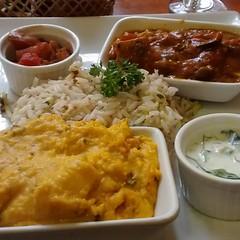 Rico y abundante. Namasté.  #elhuerto #veganfood #vegan #comidasaludable (ClauErices) Tags: chile santiago providencia veganfood comidavegetariana comidavegana elhuerto comidasaludable instagram