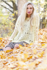 Shayla (austinspace) Tags: autumn portrait woman sunlight fall leaves washington model spokane dusk blond blonde magichour sweaterweather