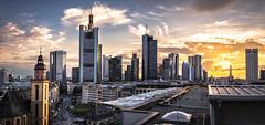 Sonnenuntergang ber der Hauptwache (Kevin Chileong Lee) Tags: architektur cityscape deutschland frankfurt hauptwache hessen hochhuser panorama skyline sonnenuntergang wolken wolkenkratzer