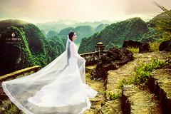 nh Ci p Hang Ma (Le Manh Studio / Photographer) Tags: ao cuoi le manh studio o ci l mnh bridal wedding weddingdress designer anhcuoidep aocuoininhbinh aocuoilemanh fashion anh x tin vy ui c di trng an tam ip cc hoa bng lng tm phim trng lemanh photographer photography cng vin vn nhn ng st ga ninh bnh nh p ninhbinh mc chu sn la gic mch i ch bokeh bch ng hong hn h yn thng d hevenlove vn long cc phng m