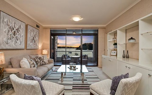 13/18 West Crescent Street, McMahons Point NSW