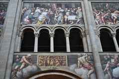 Fresque de la nef, Lattanzio Gambara (1567-1573), cathdrale Santa Maria Assunta (XIIe sicle), Parme, Emilie-Romagne, Italie. (byb64) Tags: parme parma pr prma provincedeparme provinciadiparma emilieromagne emilia emiliaromagna emilie italie italy italia italien europe eu europa ue cit city citta ciudad town statd ville cathdrale cathedral catedrala duomo dom roman romanico romanesque romanesqueart artroman xiie 12th nef nave cattedrale fresques frescoes frescos fresko affreschi xvie 16th cinquecento girolamobedolimazzola bedolimazzola lattanziogambara gambara renaissance renacimiento rinascimento