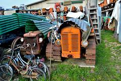 MM (riccardo nassisi) Tags: car wreck rust rusty relitto rottame ruggine ruins scrap scrapyard sfascio sfasciacarrozze epave escavatore excavator hydromac abbandonata abbandonato abandoned auto