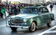 Alger, Parade du 1er novembre  2016 (Graffyc Foto) Tags: alger parade du 1er novembre peugeot 403 1958 old car french defile drapeau dz flag algerie graffyc foto 2016 nikon d700 hdr photomatix
