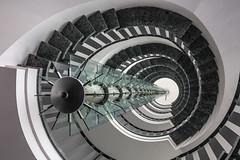 Immersion blender (michael_hamburg69) Tags: hamburg germany deutschland stairs staircase treppe hammerbrookstrase69 beleuchtung light lamp lampe energiesparlampe veolia wendeltreppe stairway spiral wendel helix hammerbrook citysd immersionblender prierstab