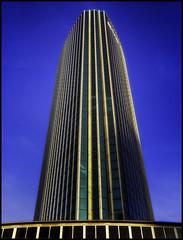 WTC (glessew) Tags: wtc beurs rotterdam architectuur architecture architektur nederland netherlands paysbas beursplein worldtradecentre lines lijnen linien blue blauw blau