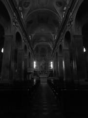 Calizzano - Chiesa di San Lorenzo (fotomie2009) Tags: calizzano chiesa sanlorenzo church san lorenzo liguria italy italia interior bell tower campanile interno bn bw monocromo monochrome monotone