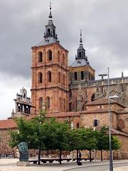 Catedral de Santa María de Astorga, León, Spanien (Anne O.) Tags: 2016 astorga castillayleón spanien caminodesantiago panoramio6954847133718671