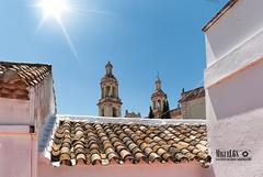 (miguel68) Tags: olvera pueblosblancos tejados parroquianuestraseoradelaencarnacin cdiz andaluca iglesia rayosdesol tomarelsol sol escenasdecotidianidad cotidiano