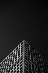 Verticality (Alessandro Vastalegna) Tags: canon700d efs1755mm london autumn 2016 series verticality values building structure clearsky contrast symmetry canarywharf
