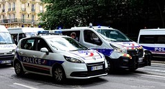 Police Paris - TV CI & TC CI (Arthur Lombard) Tags: police policedepartment policecar emergency 911 999 112 17 led gyrophare gyroled bluelight ci paris nikon nikond7200 france lightbar renault renaulttruck renaultscenic renaulttrafic street urban city